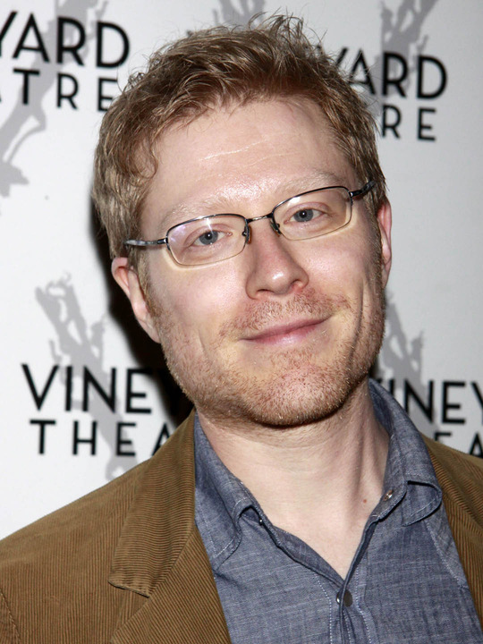 Anthony Rapp earned a  million dollar salary, leaving the net worth at 1.5 million in 2017